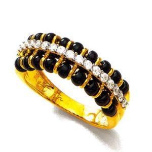 Glinting black beeds ring