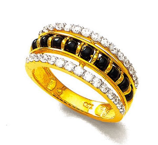 Two tone black beeds ring